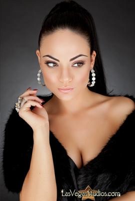 women headshot lasvegas 5
